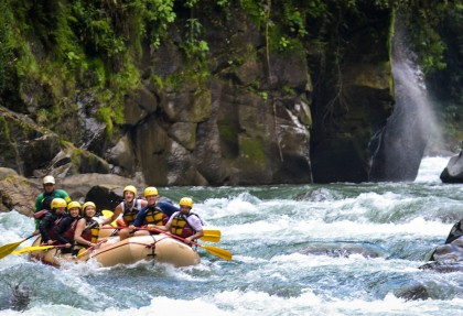 pacuare river costa rica whitewater rafting