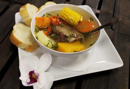 ricette tipiche come la Olla di Carne dalla Costa Rica