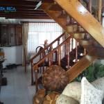 Villa (scala in legno pregiato)