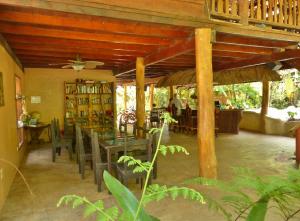 Caribe Town Resort (bar)