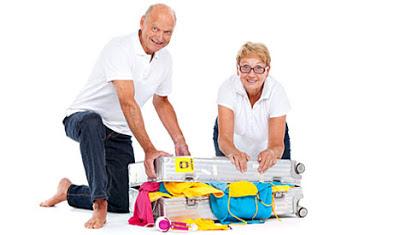 anziani.fare_bagagli.partire.per.il.costa.rica
