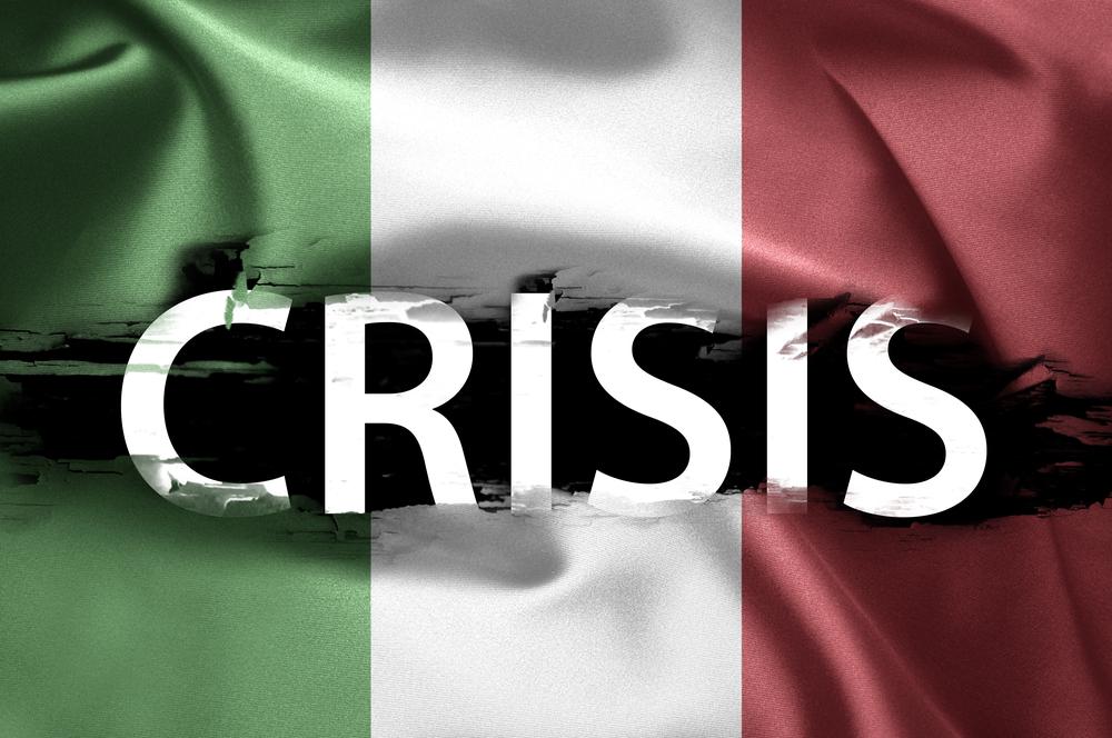 bandiera-italiana-con-scritta-crisi