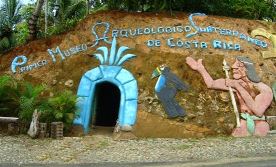 Topolandia in costa rica il piacere di vivere sottoterra for Posso costruire una casa sulla mia terra